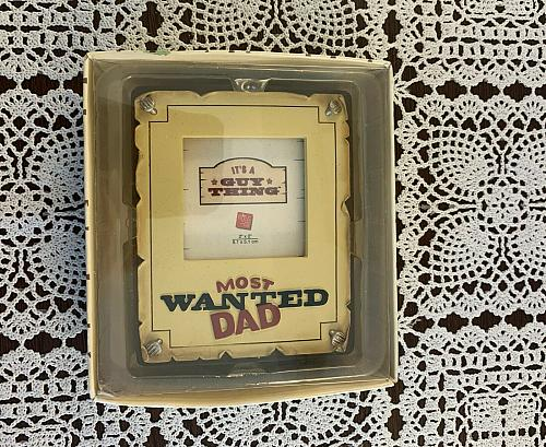 Brand New Russ Berrie Easel Back Desktop Photo Frame Most Wanted Dad 3 x 4 Inch