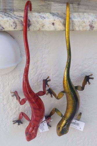 hanging metal geckos