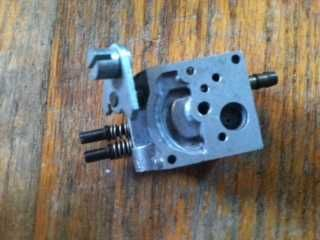 WA28 Walbro Carburetor for Chainsaw Service Manual link from Walbro in ad