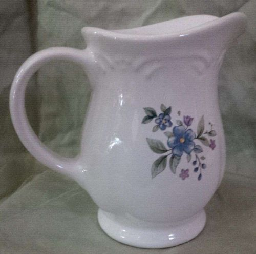 Pfaltzgraff Handled Pitcher (1-Pint) Floral Print ** Great Collectable Condition