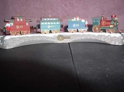 Locomotive Gift car Passenger Car Caboose tracks Stand Hallmark 1991 4 Ornaments