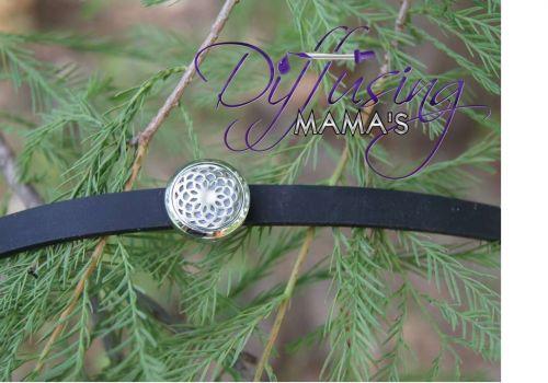 Small Flower Diffusing Mama's Brand Essential Oils Aromatherapy Locket Bracelet