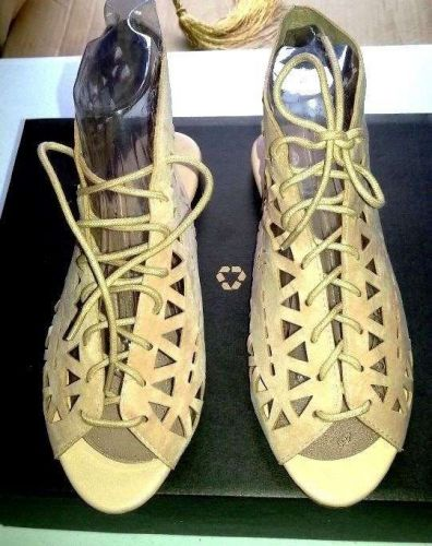NEW-ROUGE Gladiator Roman Flat Sandals/Bootie-Beige Suede-Lace Up-Women's 7.5 M