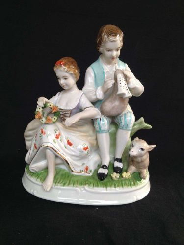 antique porcelain. Couple Royal Munchen . Marked