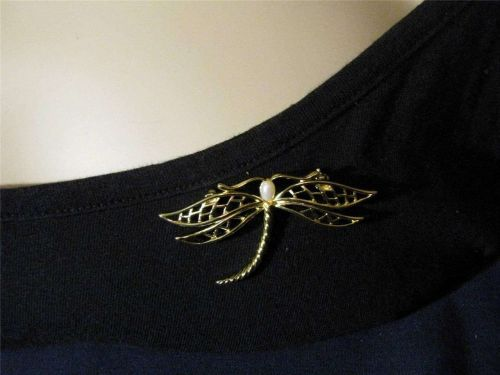 Sarah Coventry Jewelry ..Dragonfly with Pearl Pin (Whimsy Pin) ...#1014