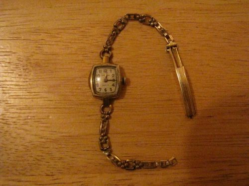 1930's Walthan Premier 15J 1/20 12K Gold Filled # 670 Movement Watch for parts