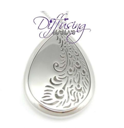 Peacock Tail Diffusing Mama's Brand Essential Oils Aromatherapy Locket Necklace