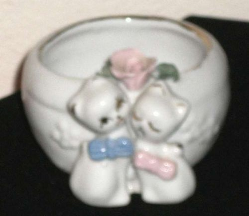China White & gold dish - Trinkets, creams, Jewelry 2 cats