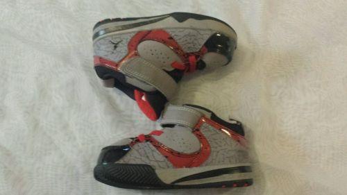 Jordan Sneakers Toddler Boys Size 7 Red Gray Black