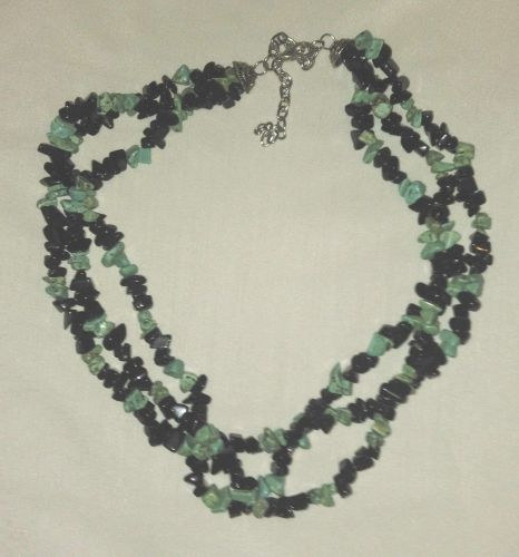 Vintage 1970's Genuine Turquoise and Black Onyx TriBand Necklace