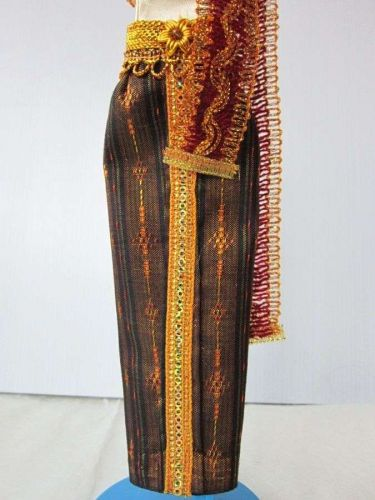 """THAI NATIONAL TRADITIONAL IVORY DRESS UP HANDMADE FOR BARBIE, Dolls 12"""" COSTUMES"""