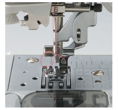 Brother Combination Computerized Sewing and 4x4 Embroidery Machine Quilting