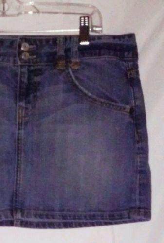 EUC women's sz. 10 GAP 1969 blue denim skirt