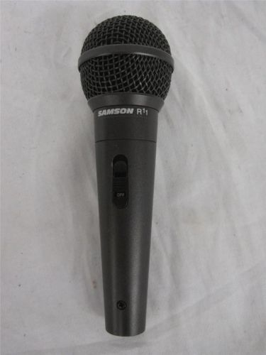 Samson R11 Dynamic Cable Professional Microphone W/ Mic. Clip