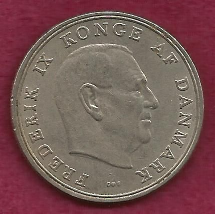 DENMARK Crown 5 KRONER 1961 COIN - Large Coin over 50 Years Old! Frederick IX