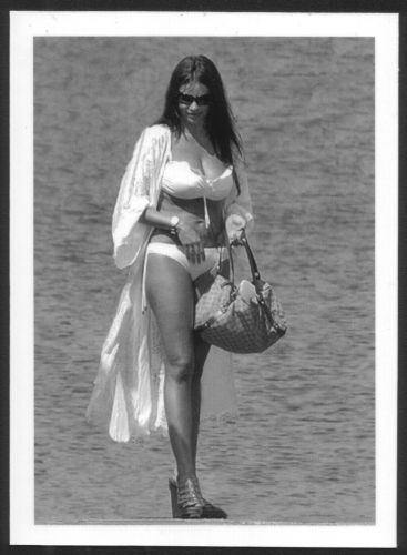 ACTRESS SOFIA VERGARA BUSTY BOSOMY BIKINI POSE REPRINT PHOTO 5x7 SV-1
