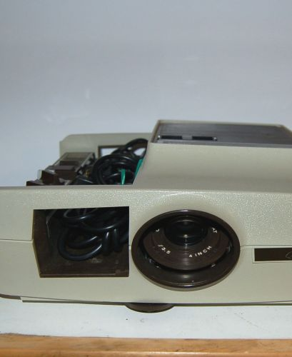 Montgomery Ward Q-555 Automatic Slide Projector W/Case