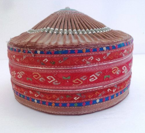 OLD ETHNIC CHINESE MIAO HAND MADE EMBROIDERED GIRL HAT