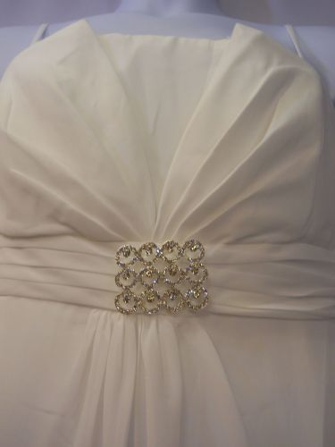Aspeed White Wedding Dress Size 3XL Jeweled Brooch Bridal Formal Matching Wrap