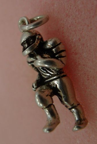 CHARM: VTG SOLID CHUNKY sterling 925 silver FOOTBALL PLAYER RUNS w/ THE BALL