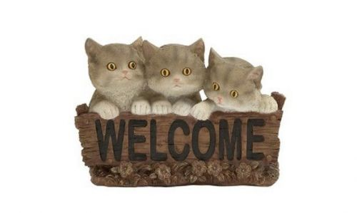 Adorable Cat Welcome Sign