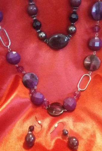 MAROON NECKLACE, MULTI-STRAND WITH PENDANT AND BEAUTIFUL MATCHING EAR RINGS!