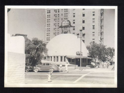 1939 Black And White Photo of The Brown Derby Resturant Wilshire Location