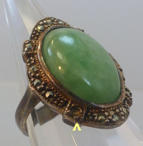 sz 7 vintage Ring Sterling Setting Oval Green Cabochon & Prong Set Marcasite