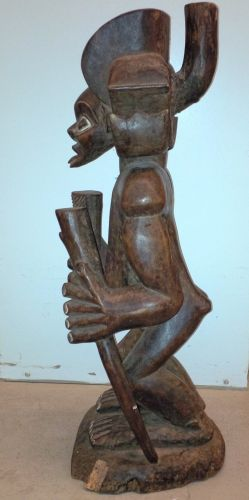 SUPERB 19TH CENTURY AFRICAN TRIBAL ANTIQUE CARVED WOOD STATUE, CHOKWE, ANGOLA-NR