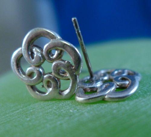 Vintage Pierced Post Stud Earrings : sterling 925 silver Doodle