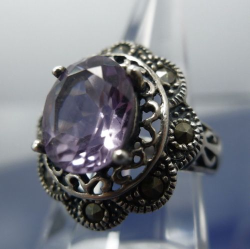 sz 7 Ring Marcasite & Amethyst Set in Sterling 925 Silver signed T (in diamond)