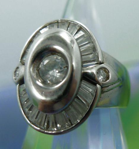 Sz 7 Vintage Ring : Sterling Silver Chunky Setting W/ Rhinestone