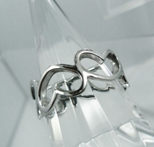 sz 7.5 Ring Sterling Silver Band of Hearts signed HAN - NWOT
