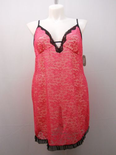 Secret Treasures Women's Floral Lace Chemise Size 3X 22-24 Fuchsia/Black Sheer