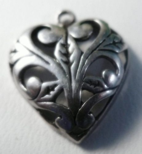 VINTAGE CHARM : ART NOUVEAU SCROLL WORK STERLING HEART signed