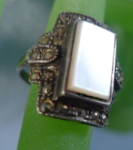 sz 7 Ring : sterling 925 silver vintage MOP Mother of Pearl Marcasite