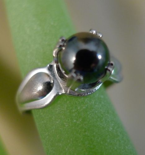 sz 5.5 RING Vintage Sterling Silver w/ Magnetic Shiny Hematite Ball Bead