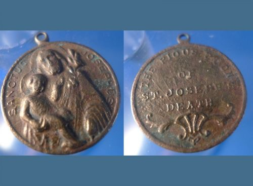 VINTAGE / TARNISHED PIOUS UNION OF ST JOSEPH'S DEATH MEDAL CHARM