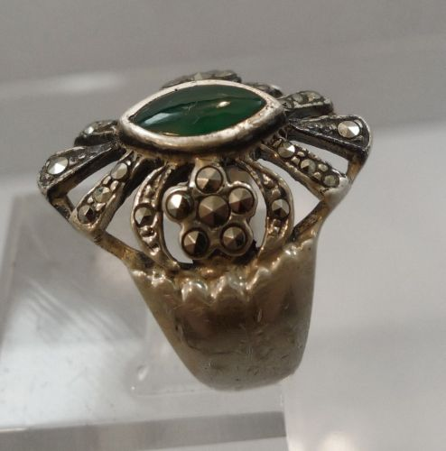 sz 8 Ring : Vintage Sterling Silver Marcasite & Marquis Jelly Green signed ND