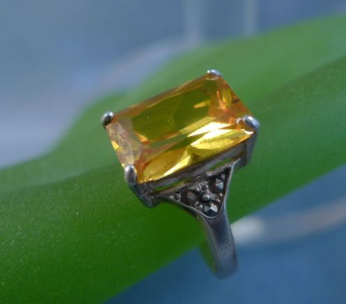 sz 9 RING: sterling 925 silver TALL Golden Yellow Stone with Marcasite Baguettes