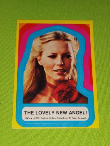 VINTAGE 1977 CHARLIES ANGELS TELEVISION SERIES COLLECTORS STICKER CARD #32 GD-VG