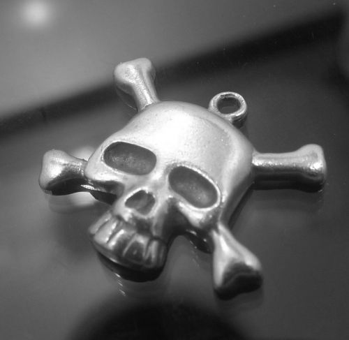 CHARM : STERLING 925 SILVER SKULL and CROSS BONES GOTH or POISON CHARM