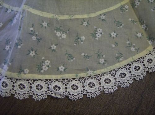 Vintage 1950s Sheer APRON FLOCKED FLOWERS Organdy LACE Retro Mid Century EAMES