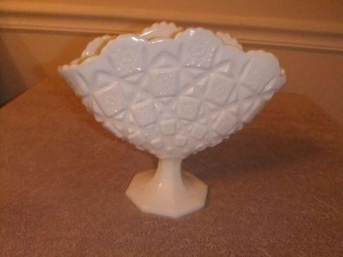 Vintage Westmoreland Milk Glass Fan Vase Quilted Pattern