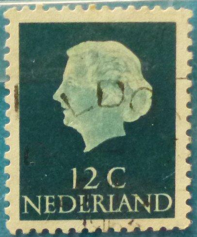 Stamp Netherlands 1962 Queen Juliana(1909-2004)- Type 'En Profile' 12c
