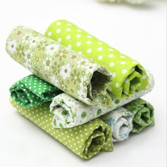 7 Pieces patterned Fabric Squares green