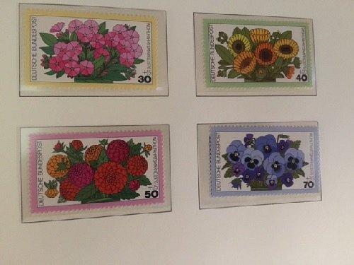 Germany Welfare Flowers mnh 1976