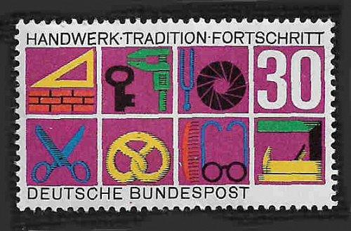 German MNH Scott #981 Catalog Value $.30