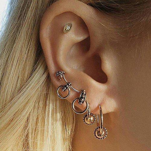 women 1 set earrings