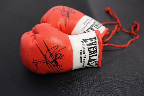 Autographed Mini Boxing Gloves Prince Naseem Hamad